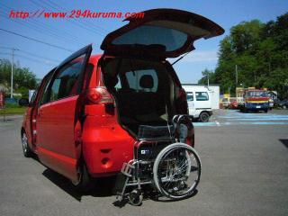 トヨタポルテ 車いす収納装置 ①