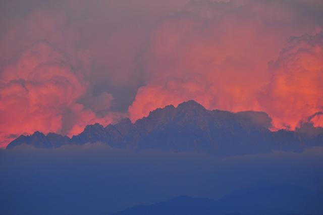 燃える剱岳