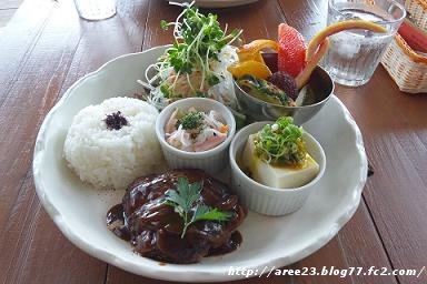 パラダイス カフェ ナルー(ランチプレート♪)