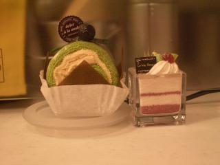 サボテンとロールケーキ