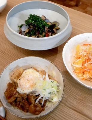 どんぶりもの!牛すじの味噌煮丼とアサリの酒蒸し 2009.7.20