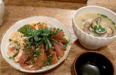 海鮮どんぶりとあさりのお味噌汁 2009.8.16