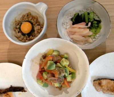 鮭と納豆とお漬け物。2009.9.9