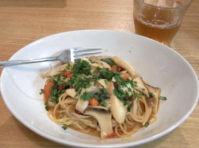 トマトとアンチョビとキノコのパスタ 2009.9,15