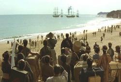 横須賀口に来航したペリーの黒船を見ている群衆