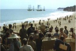 ペリーの黒船を見ている群集