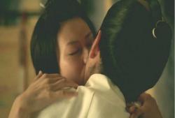 将軍様との接吻