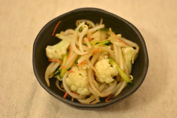 もやしとカリフラワーの中華サラダ