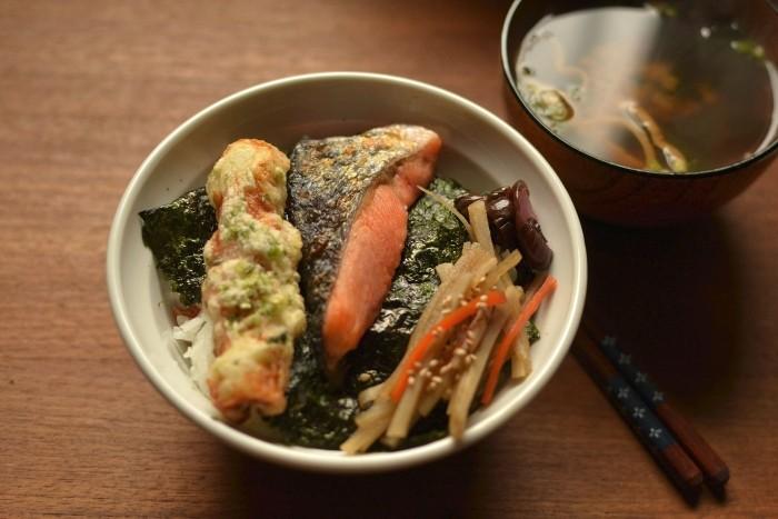 海苔鮭弁当丼