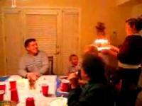 楽しい誕生日パーティーが一転惨劇に