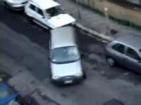 4分間かけても縦列駐車が出来ない女性ドライバーの映像+その解決策2編