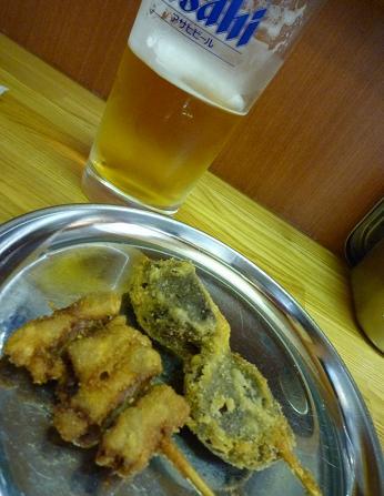 『毘利軒』ビールと串カツ