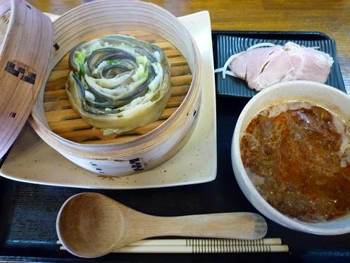 棣鄂製蒸平麺・ドロツケ九号海老牛る