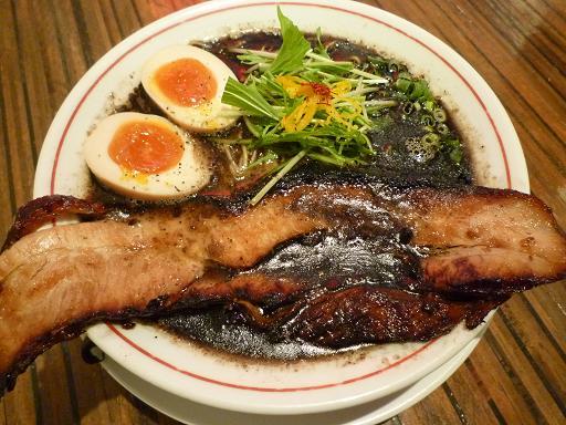 『ちゅるるちゅーら』 チャーちゅる煮卵入り(1050円)