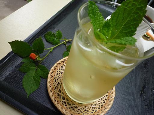 嵐山(喫茶ギャラリーのスペアミントティー)