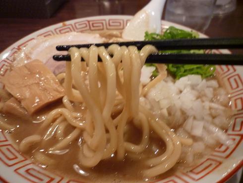 『なおじ』 麺リフト