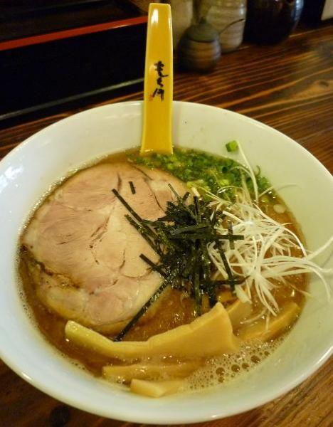 『もち月』 魚介豚骨らーめん(650円)
