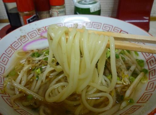 『都食堂』 ちゃんラー(麺リフト)