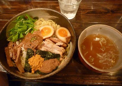 『油そば 椿』 油そば(スープ・味玉付)750円