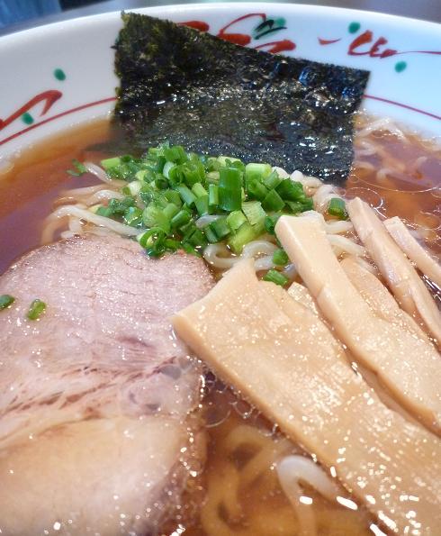 『麺や 亀』 ラーメン(アップ)