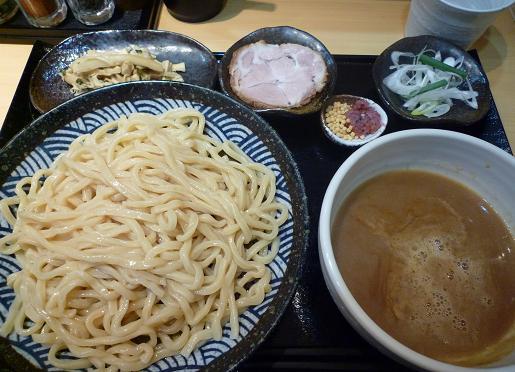 『つけめん 道』 つけ麺(並・500円)+チャーシュー(50円)+穂先メンマ(100円)