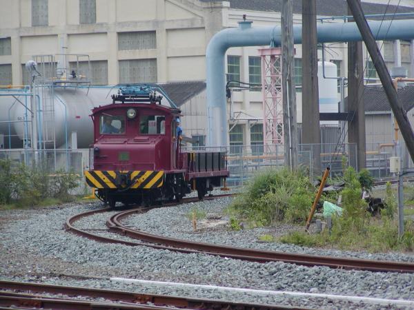 20t12号電車とバッテリー車デ-4