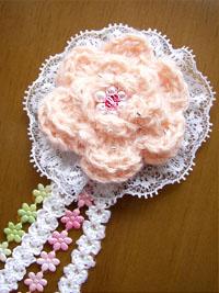 お花(薔薇)のコサージュ