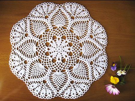 パイナップル模様のレース編みドイリー 1玉で編めるレース編み
