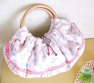 竹持ち手のグラニーバッグ ピンクうさぎ