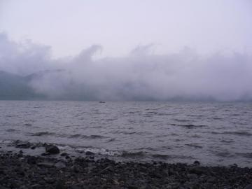 対岸から雲