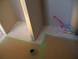 木工事 床貼り 洗面所