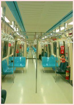 MRT車内 朝