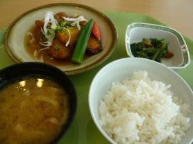 千代田区役所の食堂:500円定食1