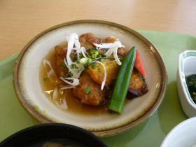 千代田区役所の食堂:500円定食2