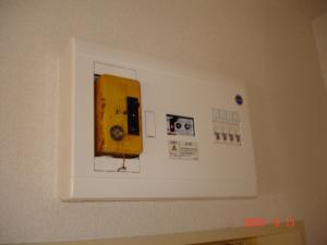 住宅用分電盤漏電ブレーカー付き交換取付後