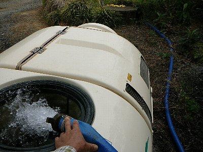 井戸から給水
