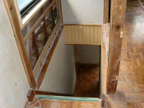 階段室をばらします