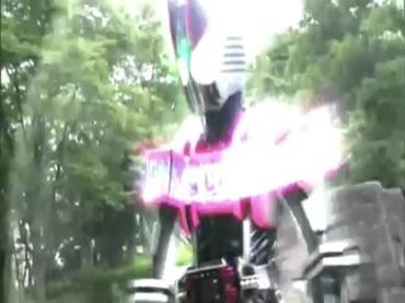 仮面ライダーディケイド 第29話「強くてハダカで強い奴」2 decade ep29.avi_000430430