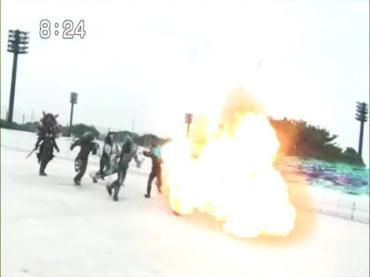 仮面ライダーディケイド 第30話「ライダー大戦・序章」3.avi_000100467