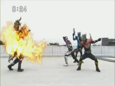 仮面ライダーディケイド 第30話「ライダー大戦・序章」3.avi_000120220