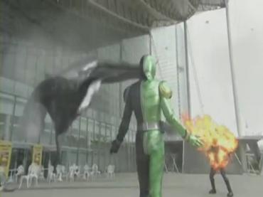 仮面ライダーダブル Kamen Rider Double 第01話 2 [HD].avi_000387461