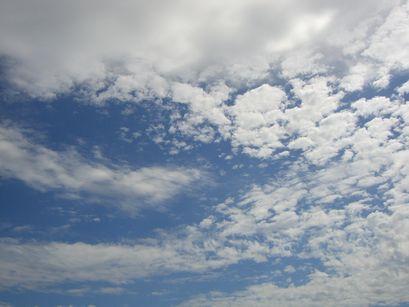 7月19日昼の空
