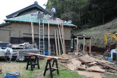 古民家屋根瓦工事中