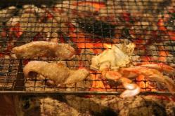 焼肉と焼きカニ