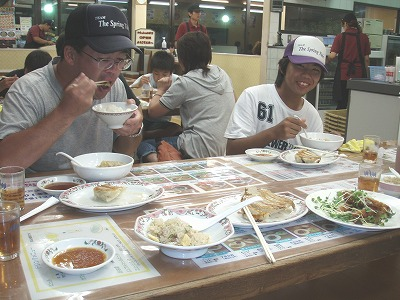釣りの後の夕食会