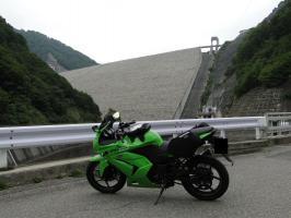 奈良俣ダム遠景