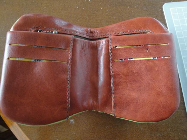 Toms purse 010