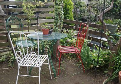 2012.04.18 三色の椅子