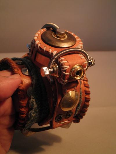 スチームパンク 腕時計  FOSSIL(日時計) リメイク