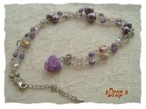 紫バラのネックレス